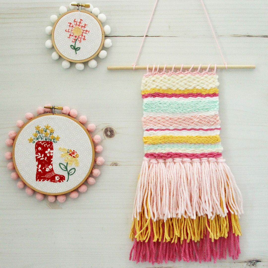 Pretty much the cutest little wall hanging ever! @flamingotoes used the new Bucilla All-In-One Loom Kit to make this colorful little gem - it makes it super easy to get started weaving!  #plaidcrafts #weaving #weavingloom #fiberart #yarnlove #wallhanging #yarn #bucilla #weaversofinstagram