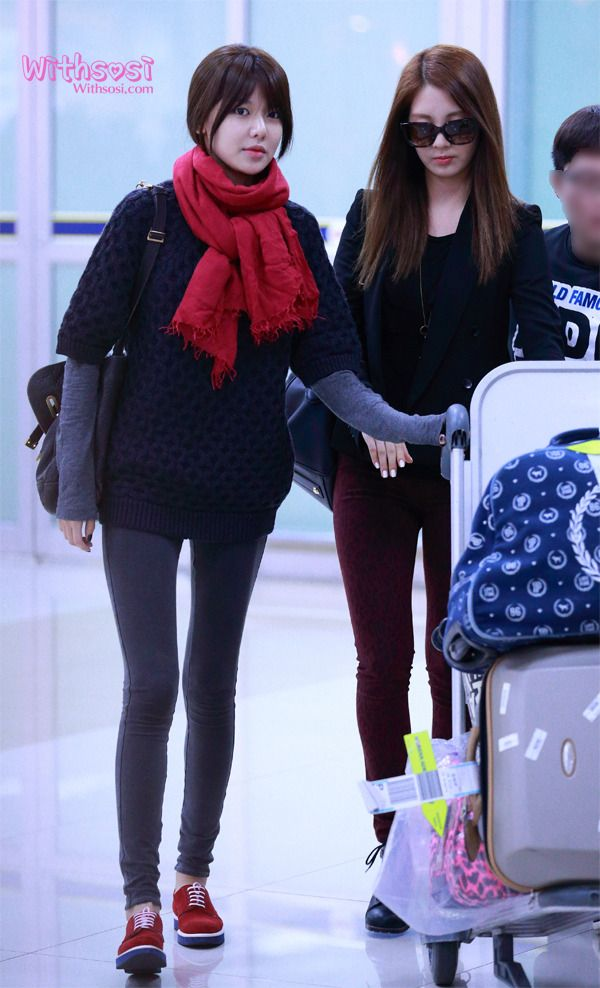 [121106] SNSD at Airport Back From Japan