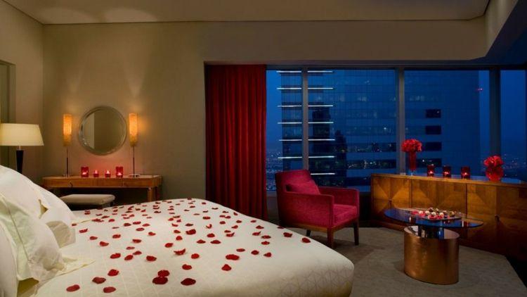 Déco romantique dans la chambre à coucher pour St-Valentin | idées ...