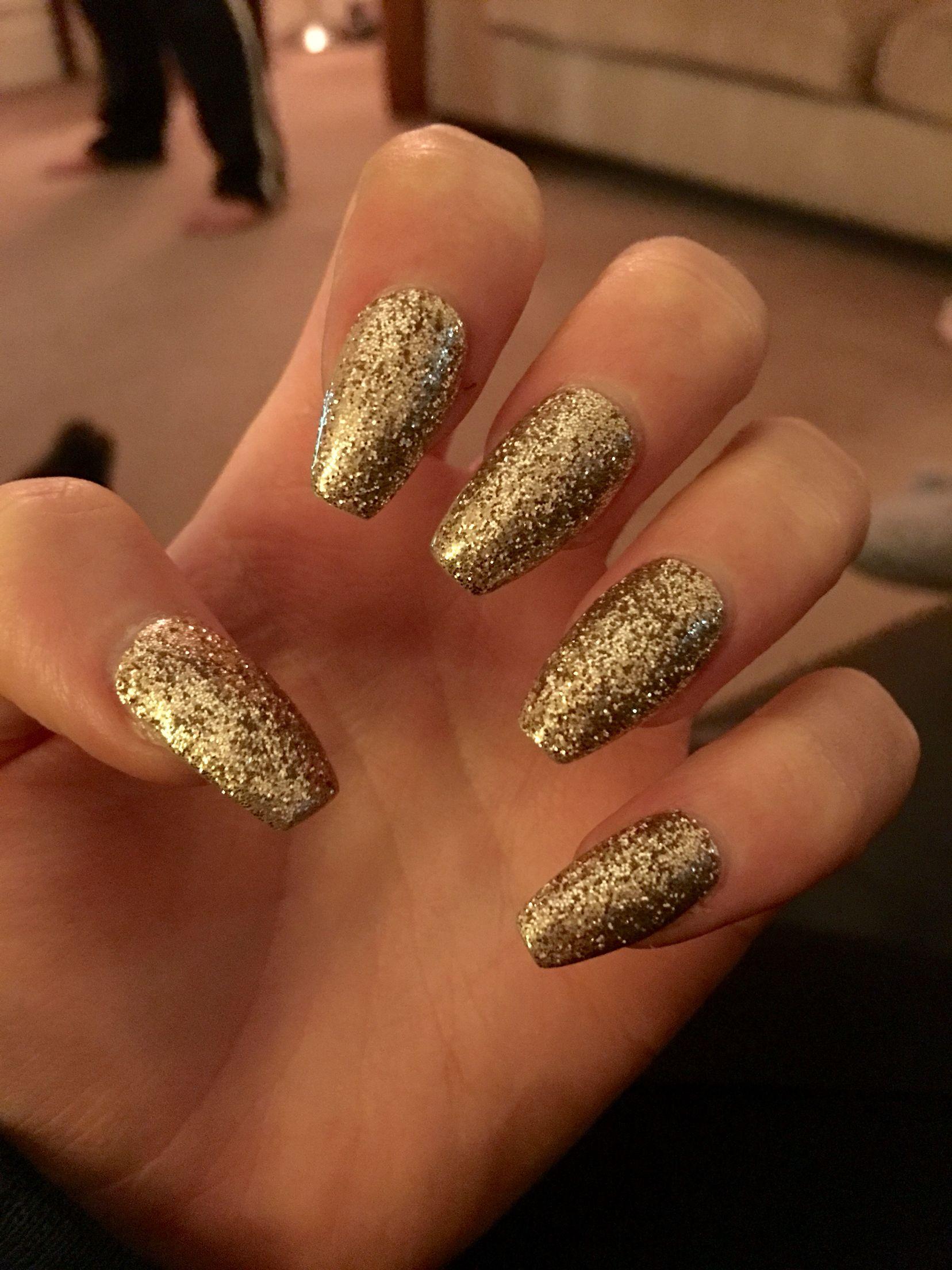 Acrylic Gold Glitter Nails Gold Nails Gold Glitter Nails Sparkly Acrylic Nails