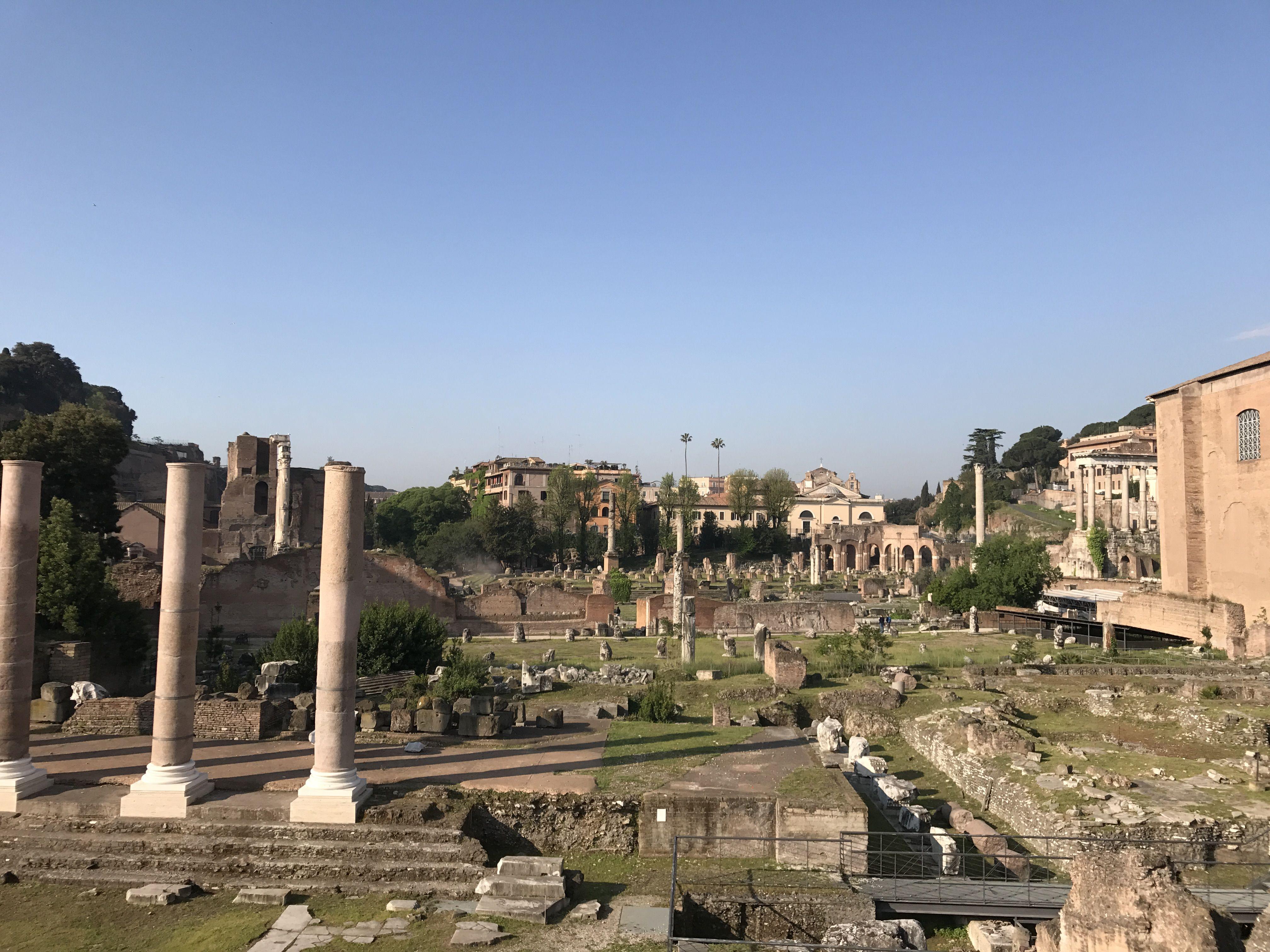 An ordinary morning in Rome...#treasurerome #betreasure