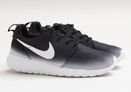 buy online f5b9b 8f086 Nike Roshe Run  Ombre black  white