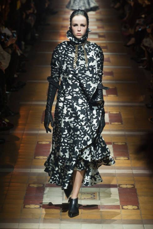Lanvin Fall 2014 Ready-to-Wear Runway - Lanvin Ready-to-Wear Collection