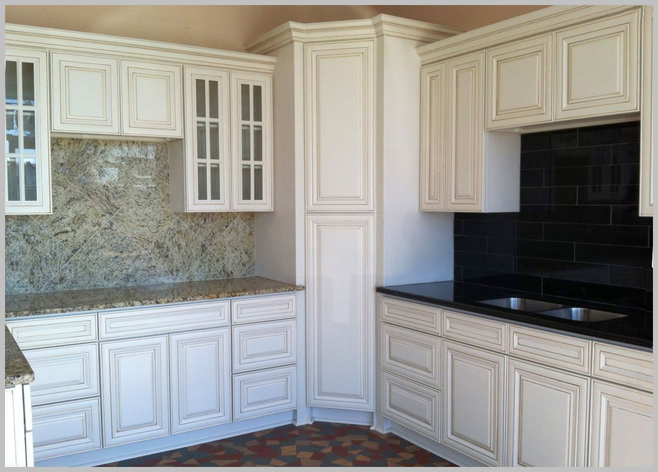 White-kitchen-cabinets-Lowes-Cool-Gallery.jpg (1305×936 ...