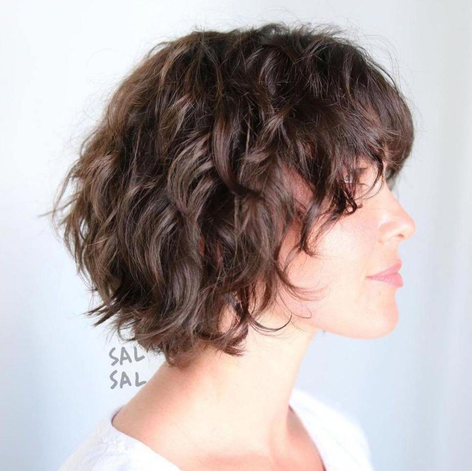 Стрижка каре каскад на волнистые волосы фото