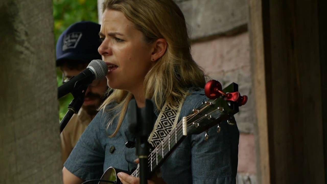 Aoife O'Donovan || Gladden House Sessions 2016
