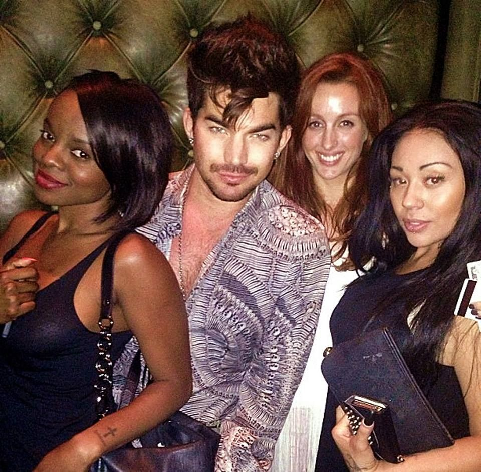 New ADAM LAMBERT Pic w Tweets between @MKSOfficial @Chelsea Bono: Via MKSOfficial: A perfect evening with the one and only adamlambert #MKSinLA http://instagram.com/p/b0QnEwqw6B/ Via @Chelsea Bono: @MKSOfficial I love u all! Such down to earth, smart, real ladies!! What a pleasure! Via @Chelsea Bono: @MKSOfficial I'll stuff some socks in the toes so ya'll can walk. Hahha reply by @MKSOfficial: @Chelsea Bono Like wise babe!!! We'll be around your house at 7am to borrow your shoes !