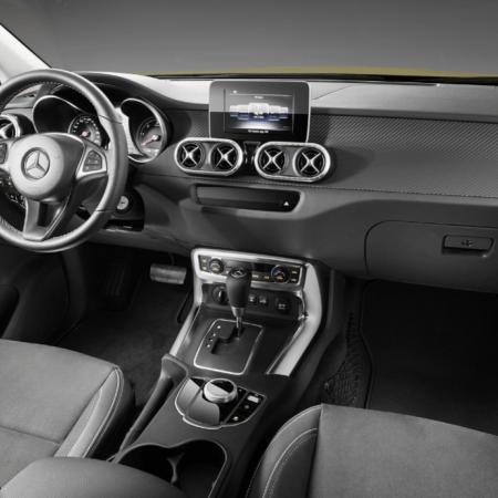 2018 Mercedes Benz XClass, Cornering at 60 miles per hour