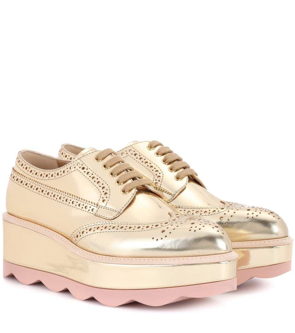b3fae623112586 Chaussures Oxford en cuir doré à plateforme   Souliers   Chaussures ...