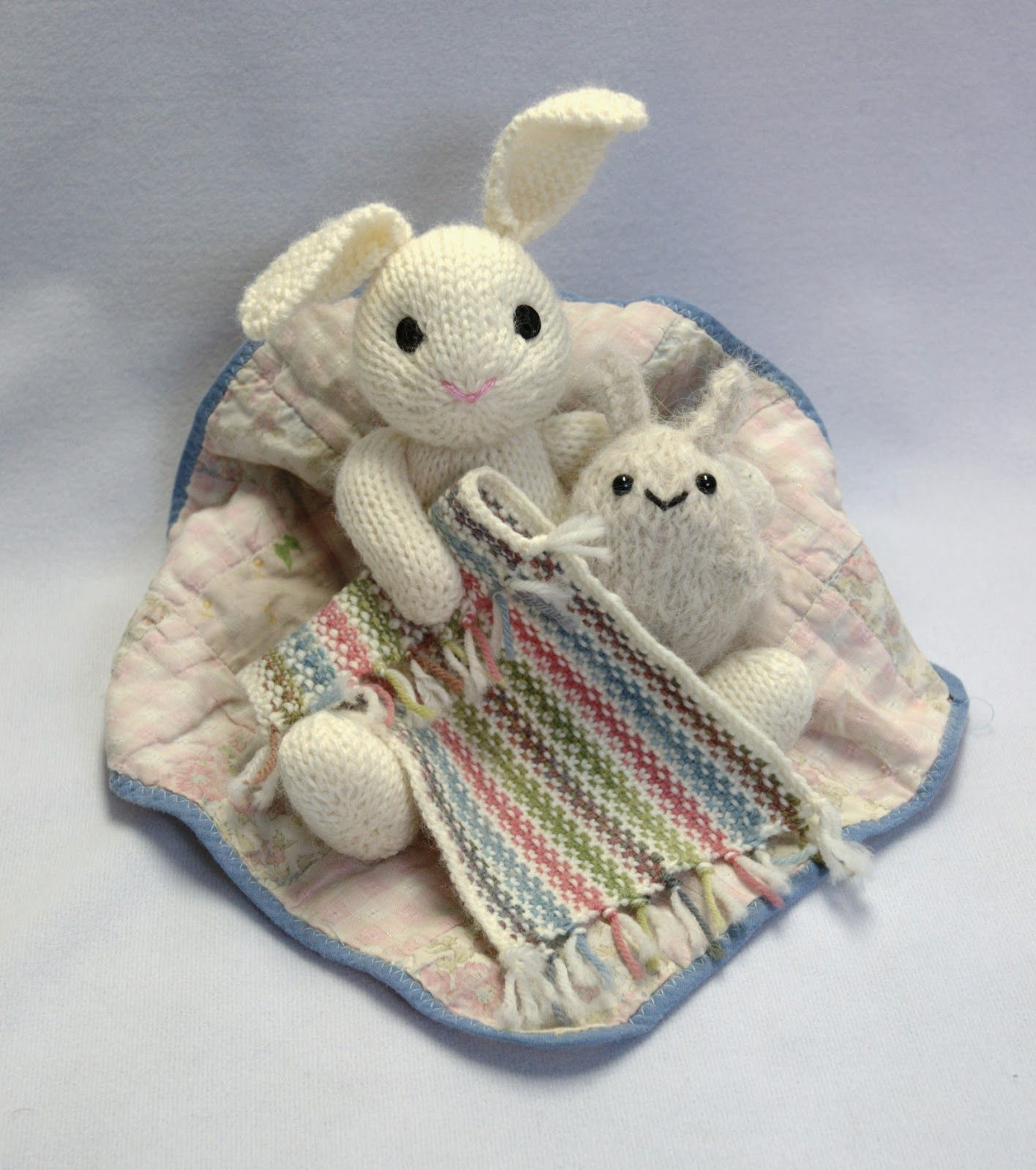 silky seal pattern | Bunny blanket, Linen stitch, Knitted toys