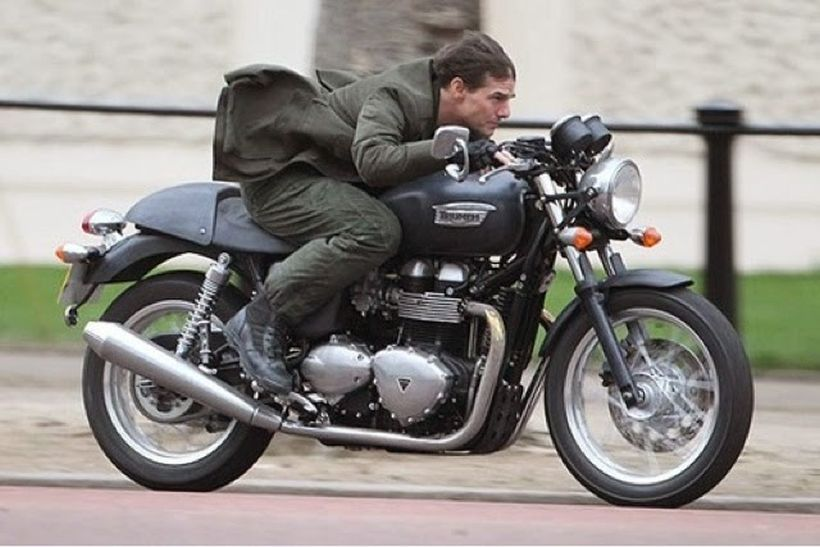 Tom Cruise And Top Bikes He Rode In Movies Triumph Thruxton Tom