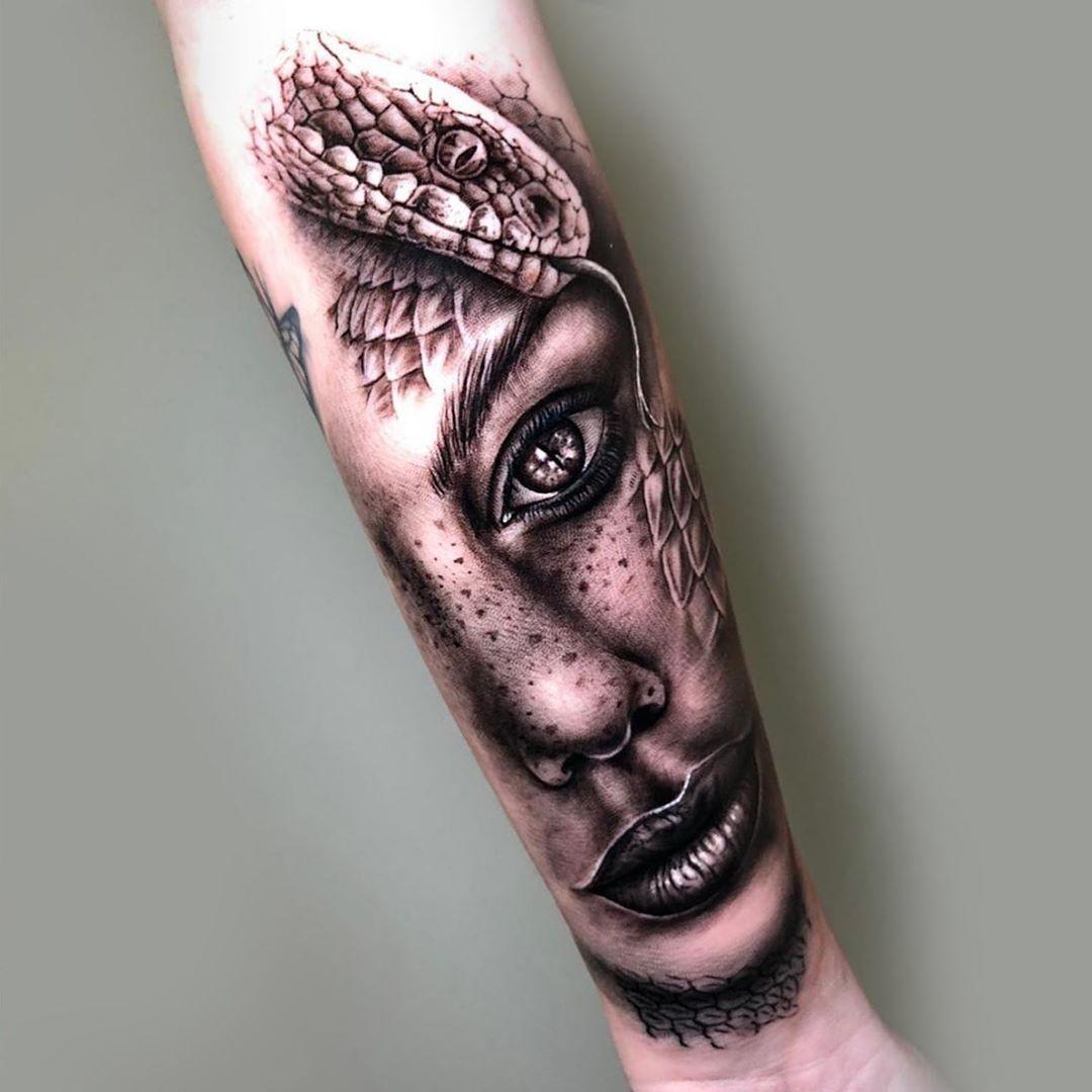 Hecho en @thebluemonkeytattoo - - Citas y presupuestos por Mensaje Privado 📩 - - Para mi chica, la mejor compañera de vida que hay, gracias amor!❤️ - - #hectorvaldiviatattoo #realismotattoo #realismo #realism #blackandgreytattoo #blackandwhite #leganes #madrid #thebluemonkeytattoostudio #tattoo #tattoos #tattooartist #tattoostyle #tattooart #tattooed #tatuajes #tatuaje #artdrivertattoomachines #tattooshop #cheyennetattooequipment #eztattooing #kwadron #dynamictripleblack #inkeeze #protonstencil