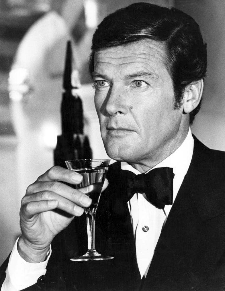 roger moore 007 james bond shaken not stirred. Black Bedroom Furniture Sets. Home Design Ideas