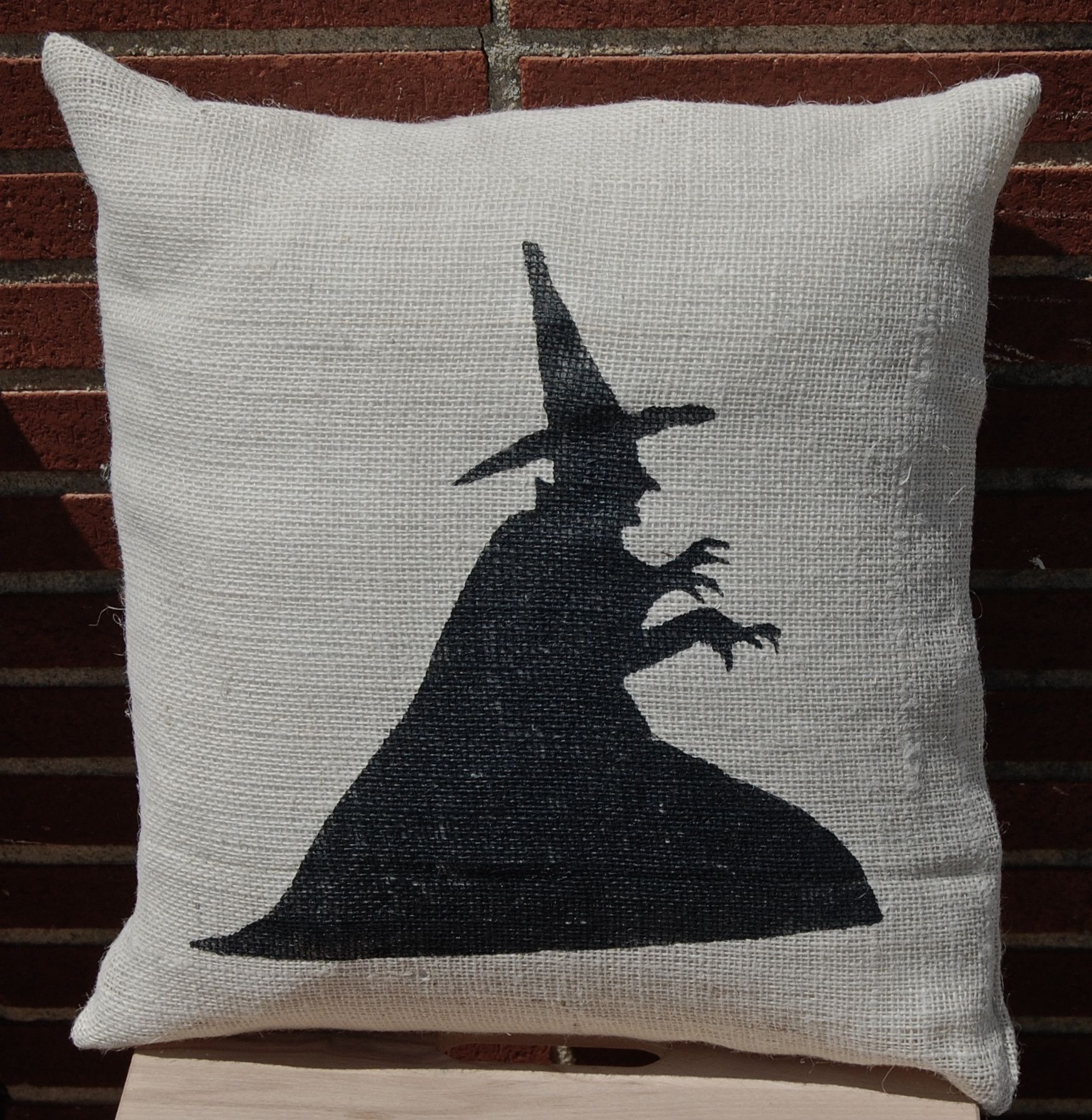 Halloween Pillow, Witch Pillow, Burlap Pillow, Halloween Decoration - Wizard Of Oz Halloween Decorations