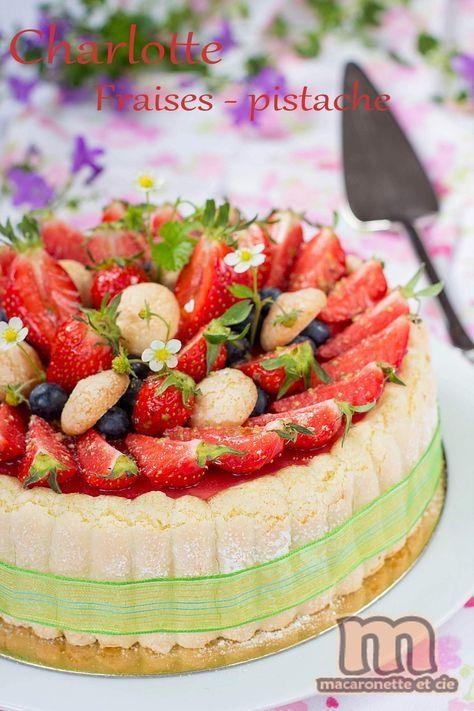Dans la série dessert à la fraise, voici une charlotte fraises - pistache. Cela faisait un moment que je n'avais pas fait de charlotte ! Ce...