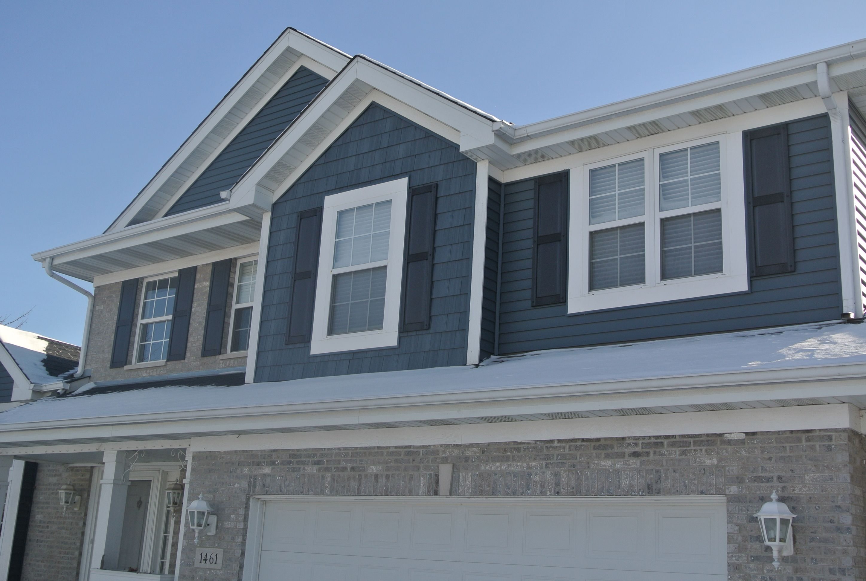 Pacific Blue Vinyl Siding By Certainteed This Photo Shows