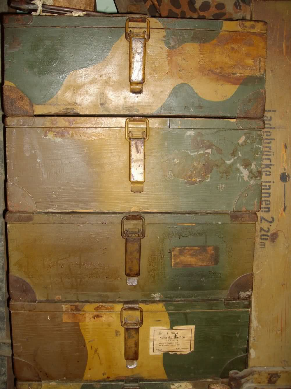 Pin By Ernst Carstens On Buntfarbenanstrich Suitcase