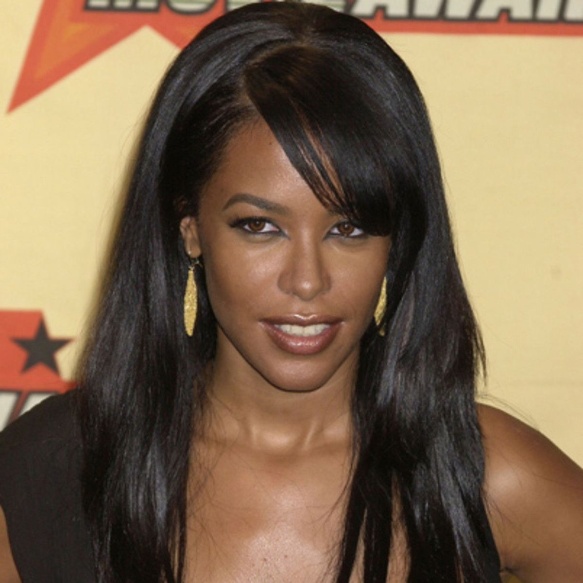 August 25, 2001 Aaliyah a famous singer died in a plane