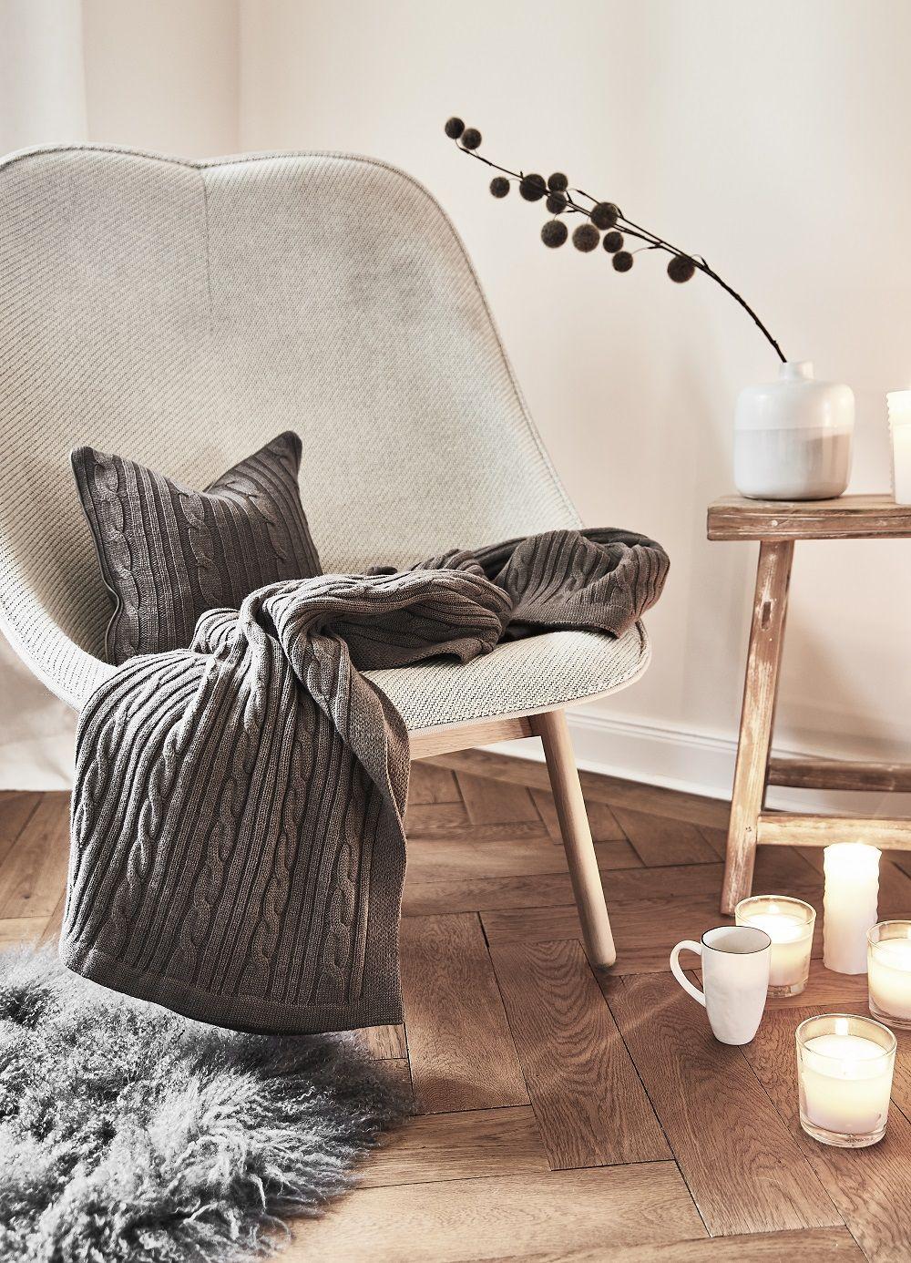 stuhl fell grau excellent full size of nahen filz stuhl stuhlkissen fellimitat sitzkissen. Black Bedroom Furniture Sets. Home Design Ideas
