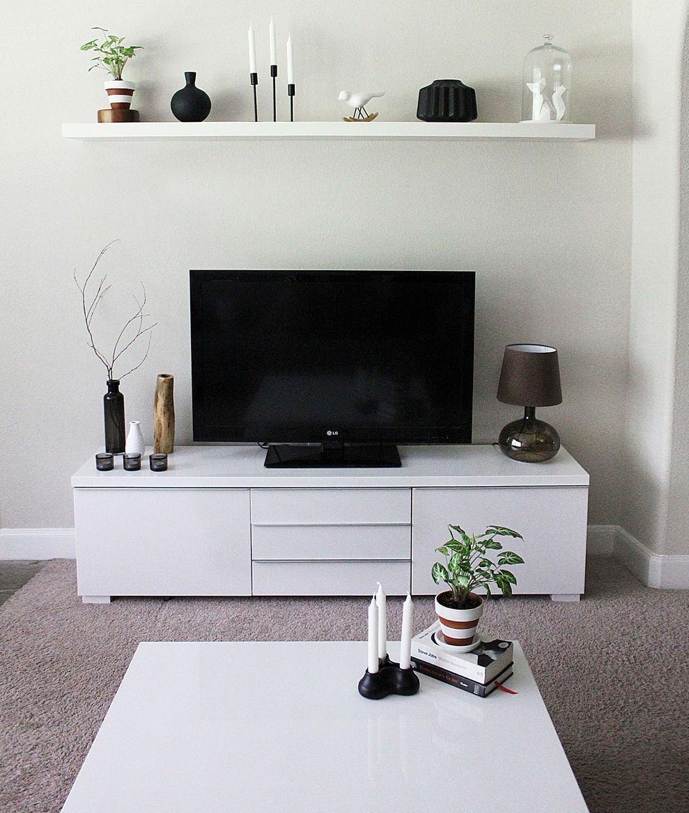61 Simple Living Room Design Ideas With Tv Roundecor Small Apartment Living Room Living Room Decor Apartment Small Living Rooms #small #simple #living #room