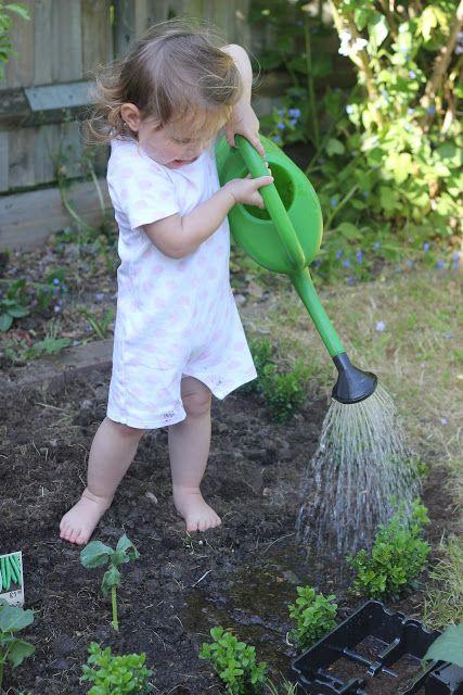 Making An Organic Vegetable Garden With Children 400 x 300
