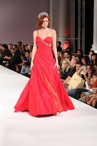 Miss California Alyssa Campanella looked stunning in red at the Go Red for Women evening during LA Fashion Week. (The dress by Sherri Hill. Photo taken at Vibiana, a great place for an event.)  Congratulations to Alyssa Campanella on winning the Miss