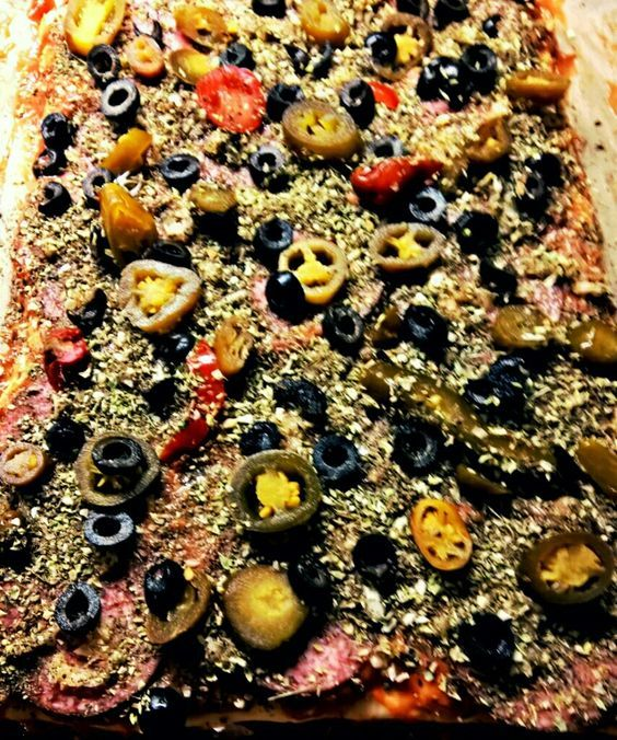 Viva la Vida!: Tulinen Tonnikala - Salami Pizza / Spicy Tuna - Salami Pizza