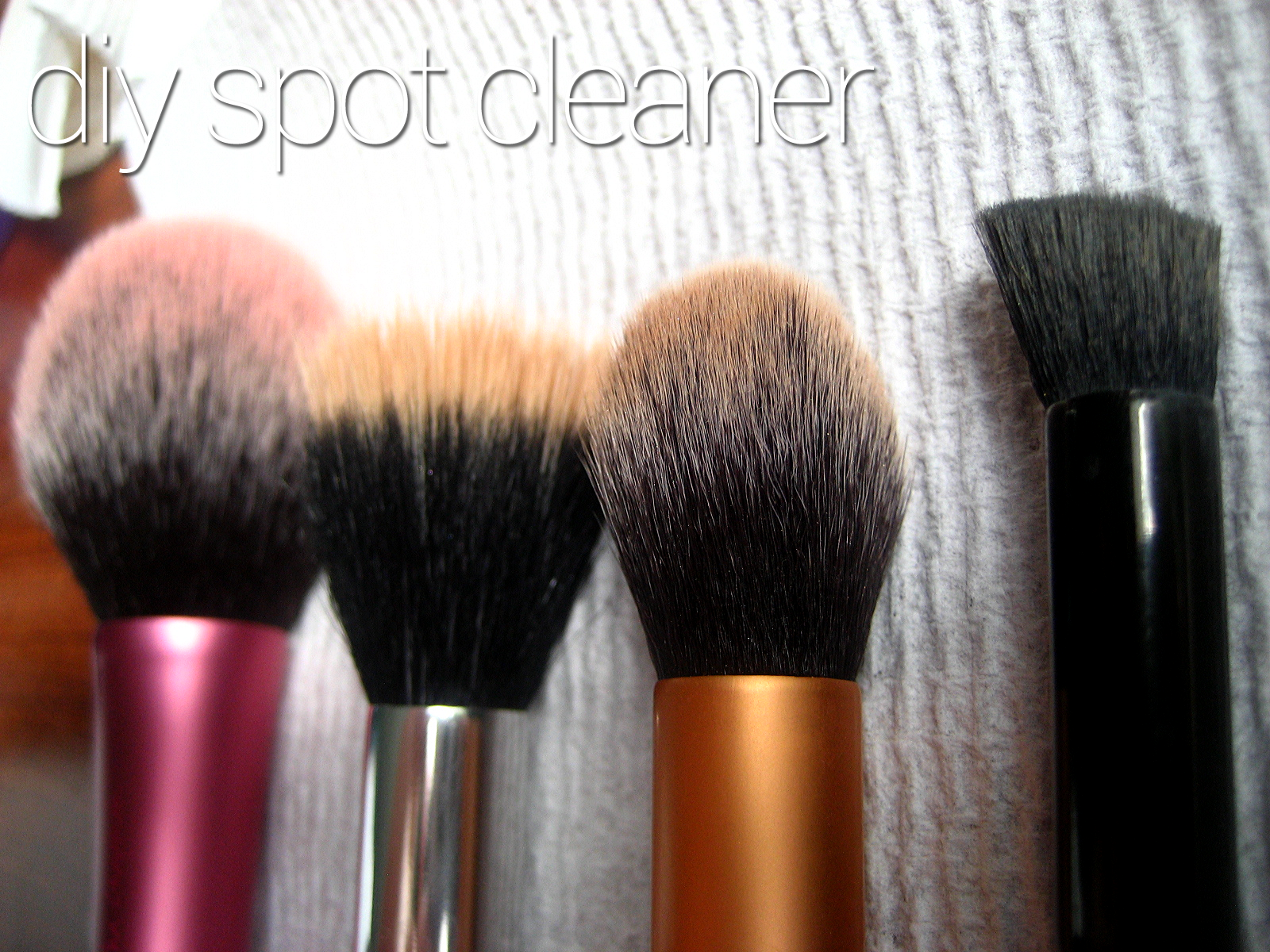 DIY Makeup Brush Cleaner (isopropyl alcohol, dish soap