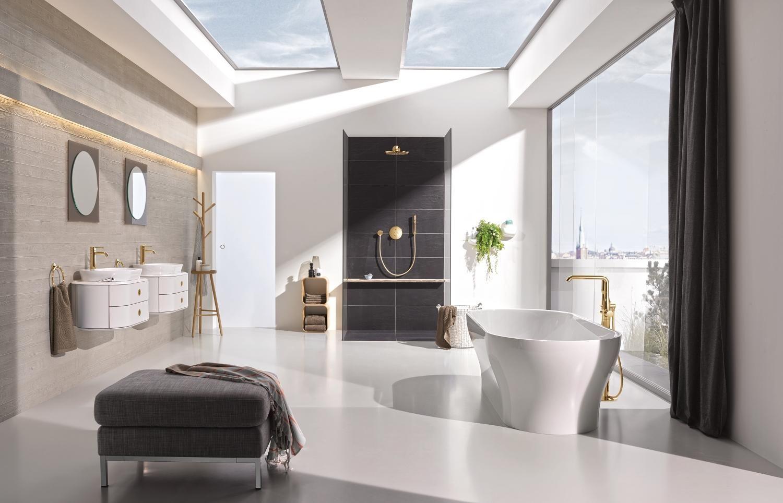 Badkamer met kranen uit de grohe essence colours serie in de kleur