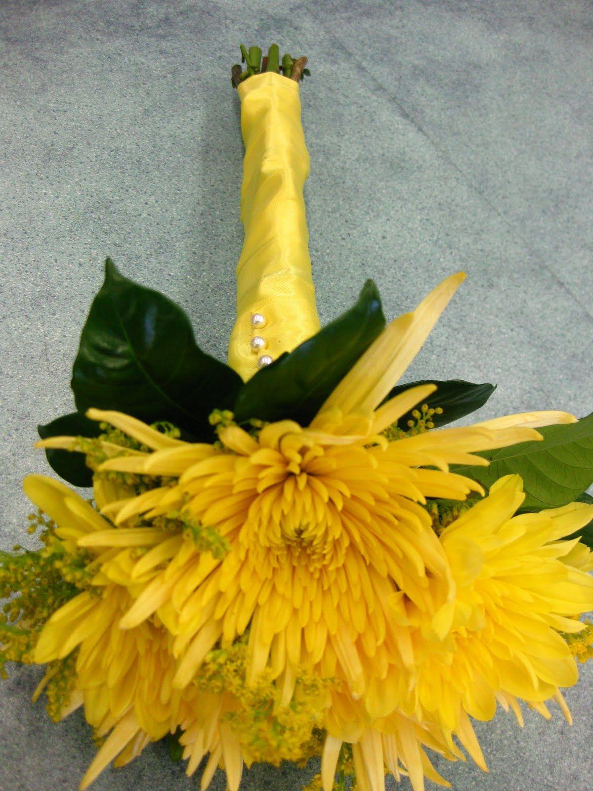 yellow spider mum bouquet