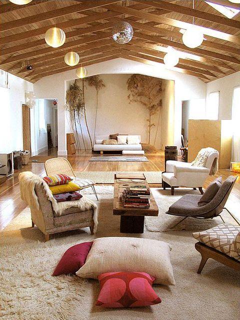 sala ampla de estar, estilo rústico