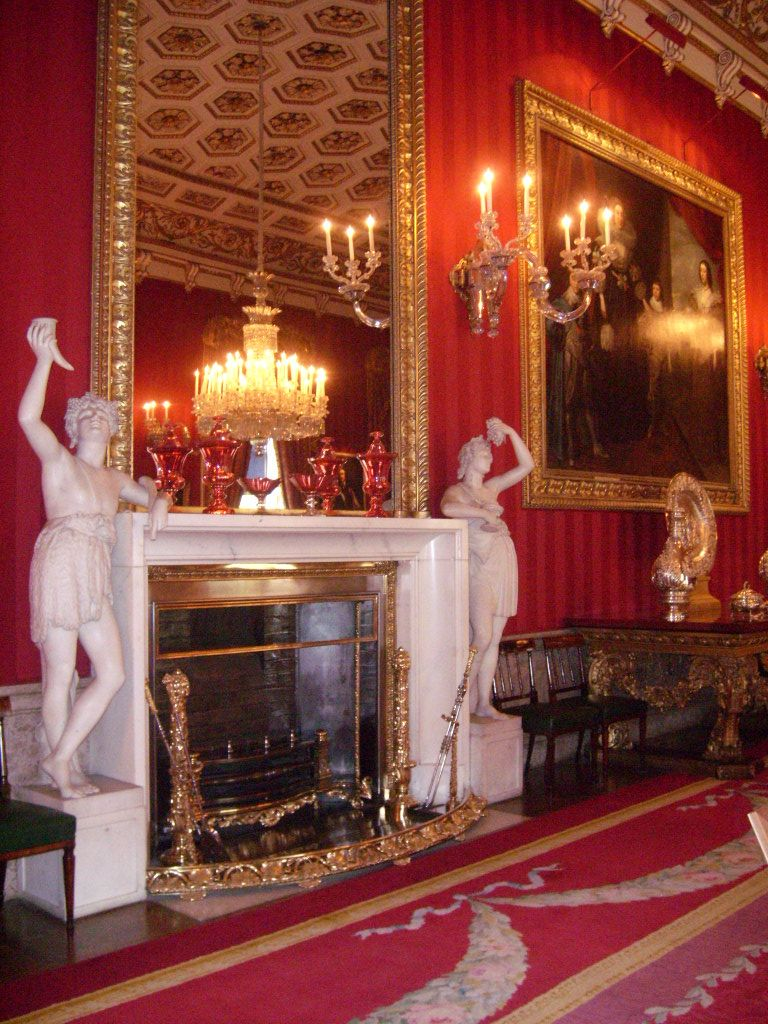 Chatsworth House Room: 10 Places To See In The UK Before You Die