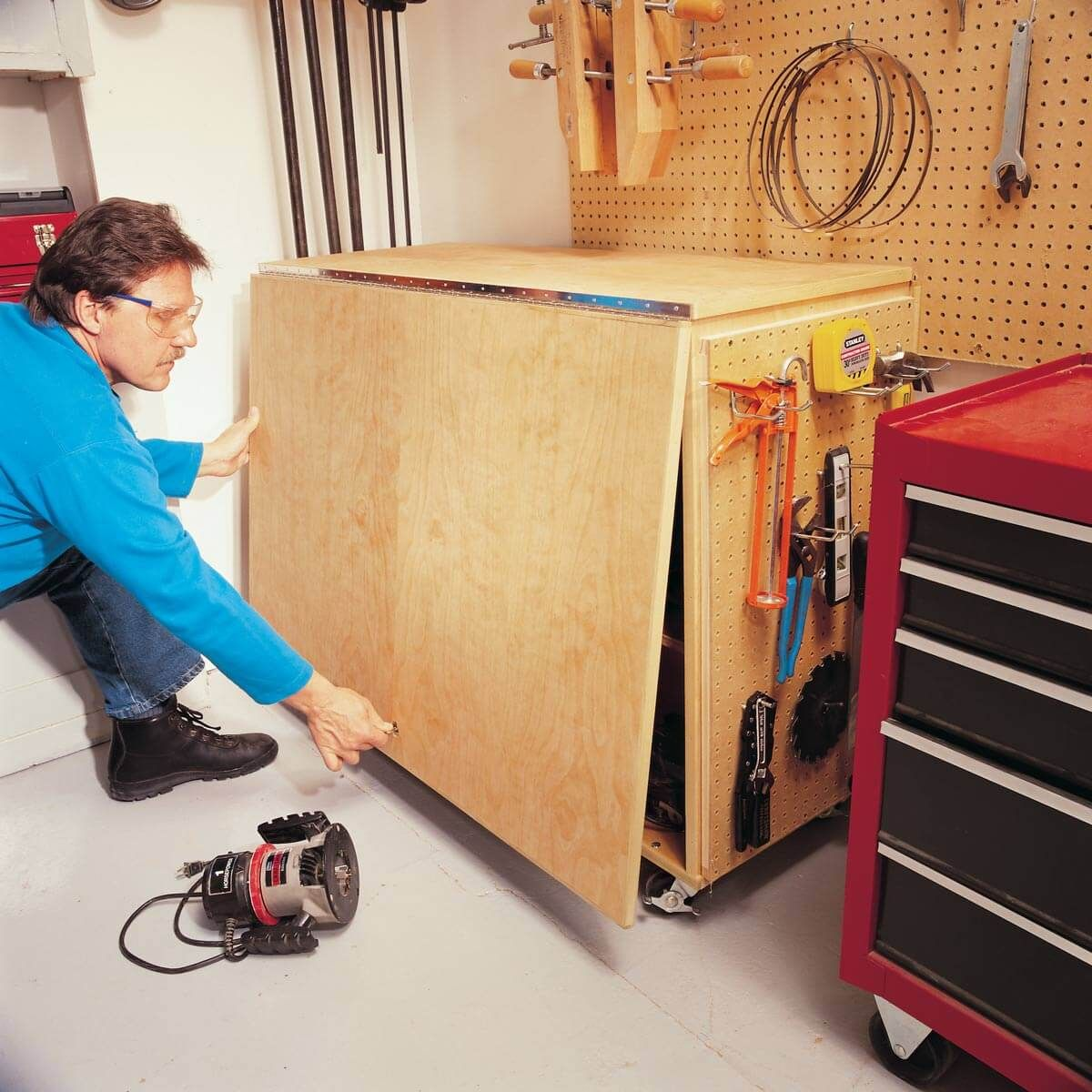 50 awesome gifts for diyers under 50 folding workbench