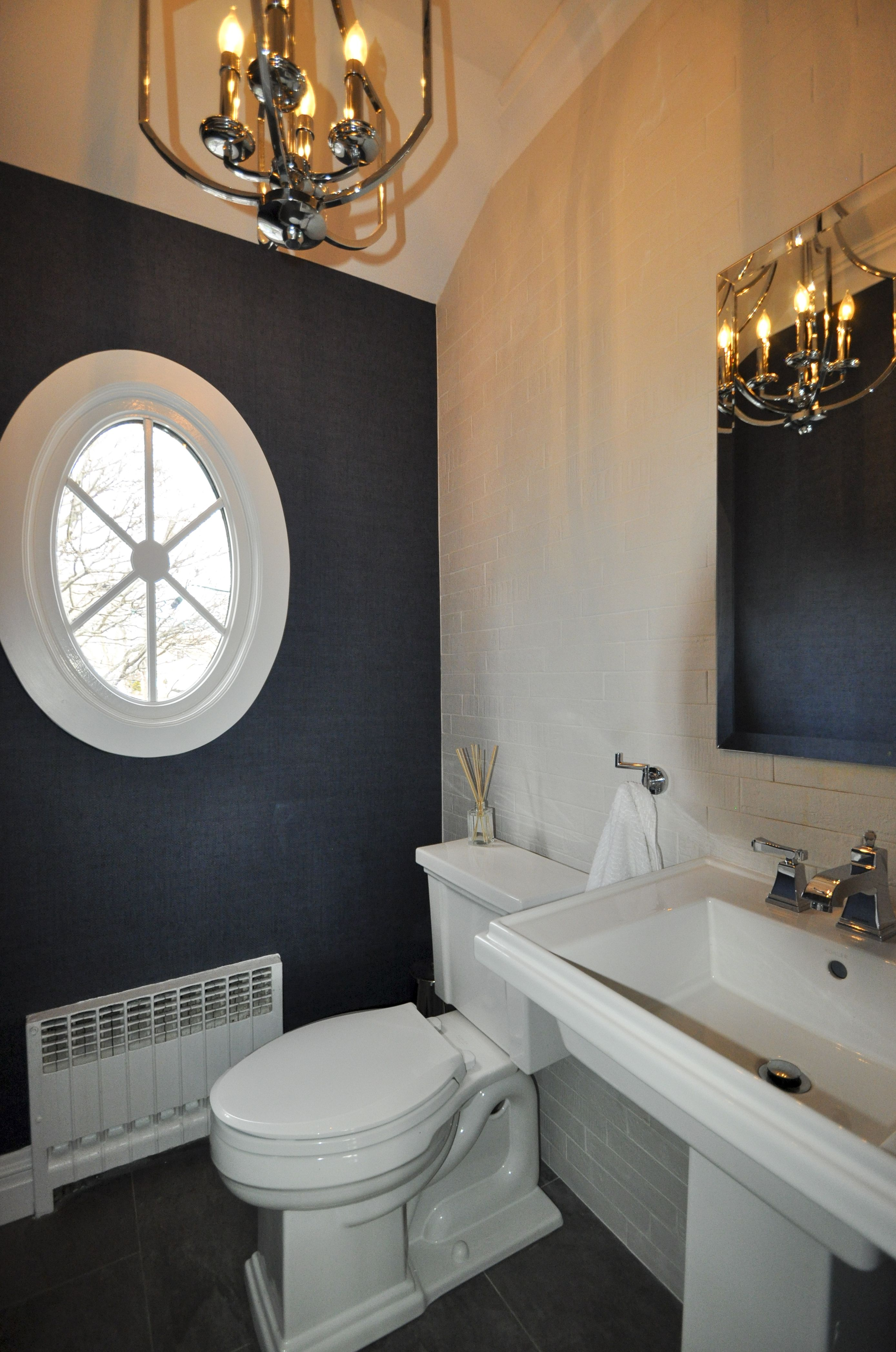 1 2 Bath With Class With Speakman Fixtures Tile Accent Wall Dark Blue Vinyl Wall Paper And Chrome Fixt Bathroom Design Blue Accent Walls Bathroom Renovations