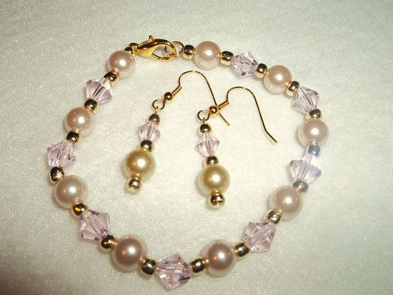 Swarovki crystal and pearl bracelet beaded by KathysLittleAttic, $14.00