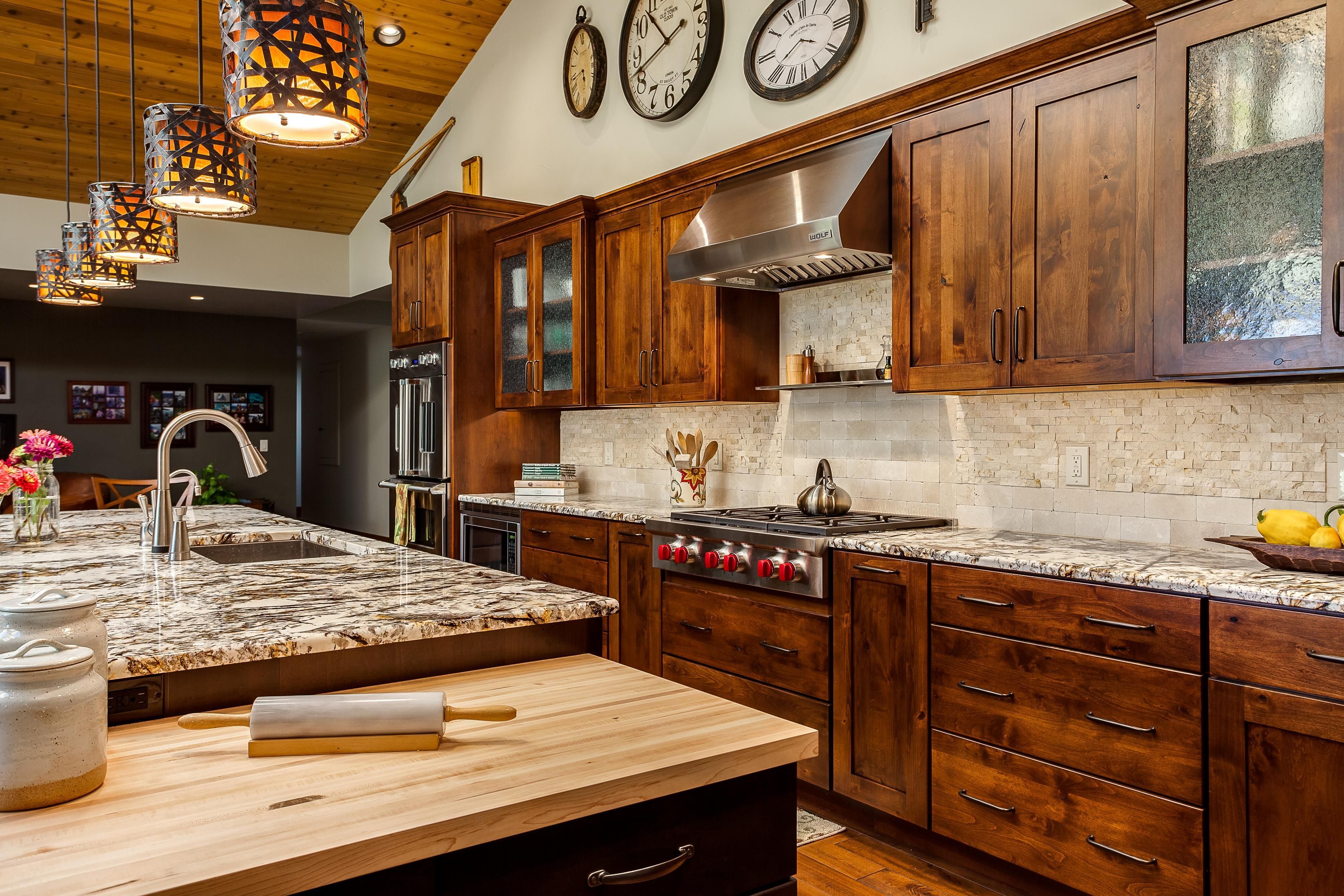 Take A Look At Our Colorado Rustic Kitchen Gallery Jm Kitchen And Bath Https Www Jmw Kitchen Cabinet Design Rustic Home Interiors Rustic Kitchen Cabinets