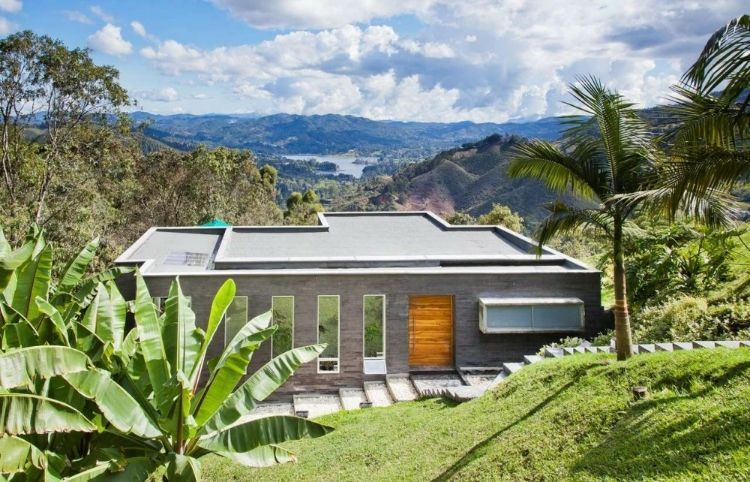 Lago en el Cielo by David Ramirez Arquitectos is a single family house, located less than 30 minutes from Medellin, Colombia. --- Nice view from the house; http://pinterest.com/pin/271834527479274415/