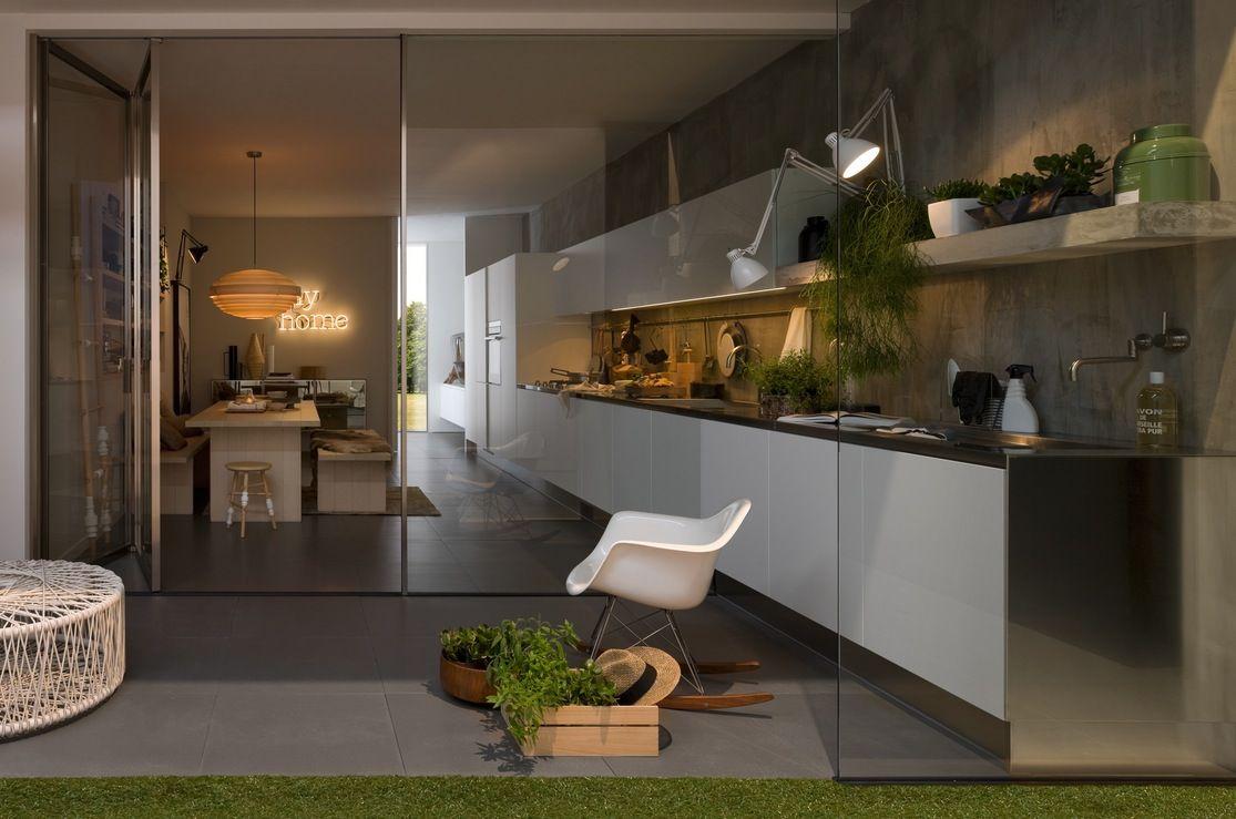 Einfache Küche mit Aluminiummöbel Design für kleinen Raum von ...