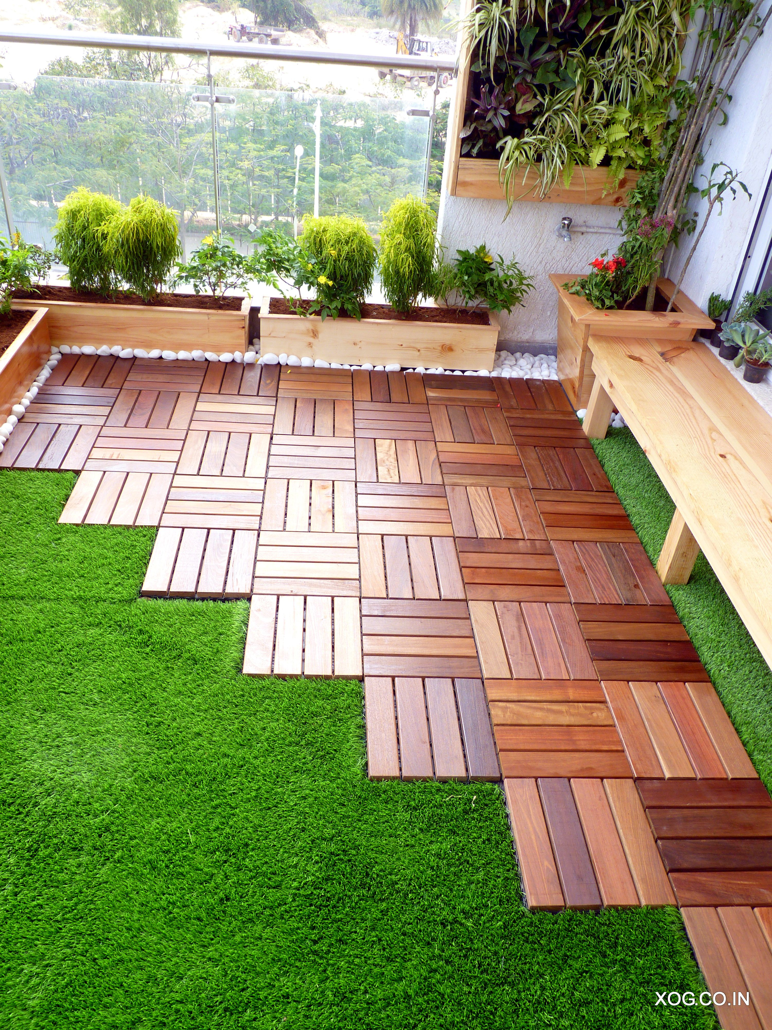 Brazilian Ipe Hard Wood Deck With Artificial Grass Flooring By