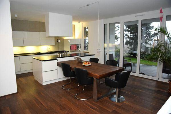 Integrierter Esstisch in 2019 | Moderne küche, Küche block ...