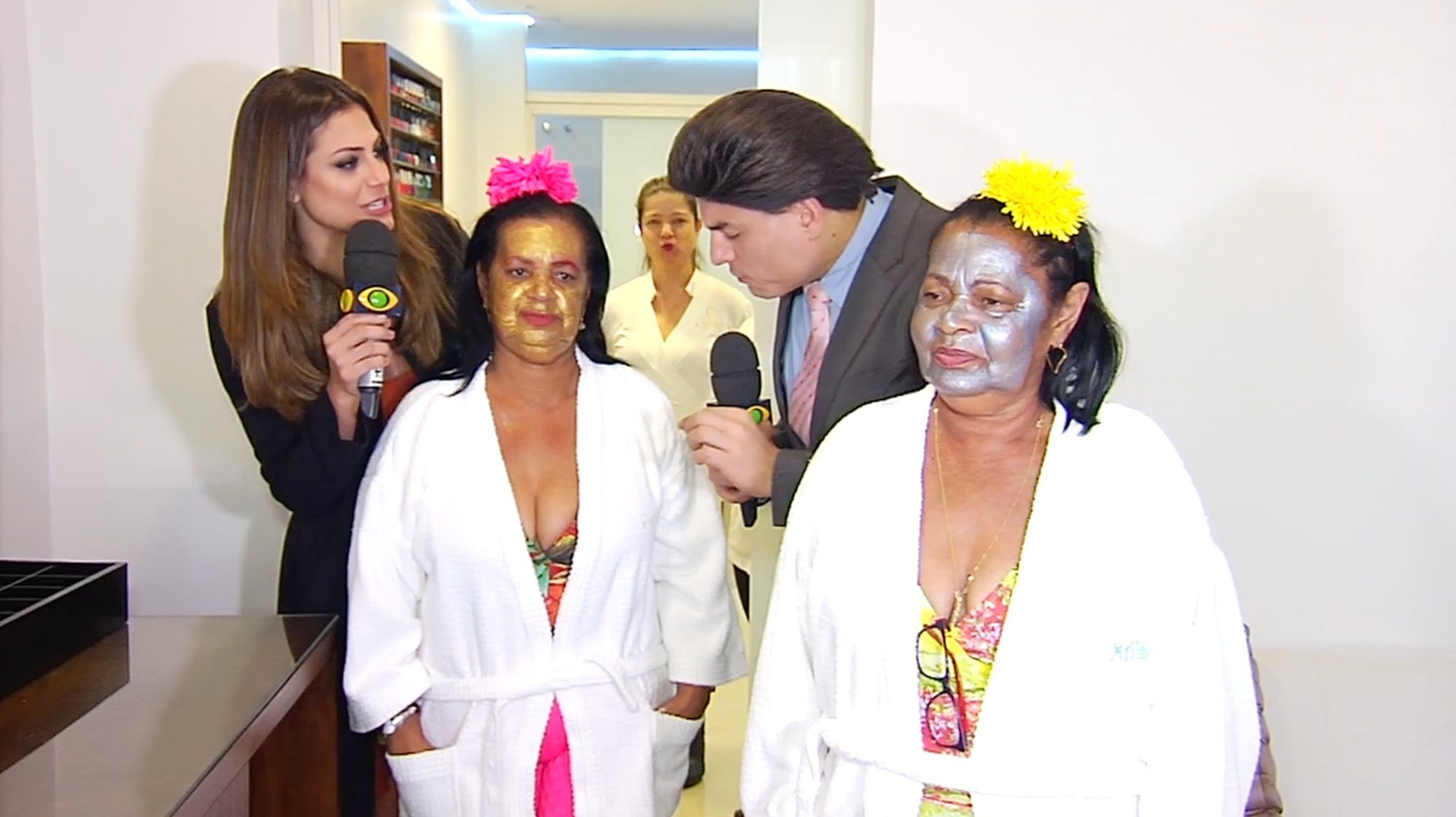 SILVIO E AS GAGAS DE ILHÉUS - E32 (UM AMOR PARA AS GAGAS - RESORT) 01/02
