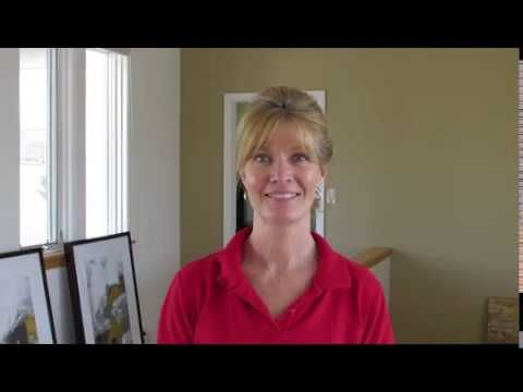 Stage your home to sell!                       See how easy it can be.....Donna Warner DW Interiors