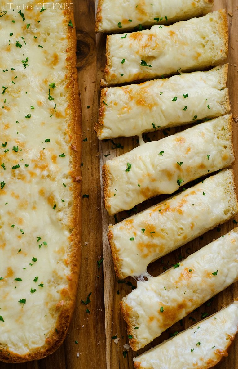 Only 4 Ingredients To The Best Cheesy Garlic Bread You Ll Ever Make This Garlic Bread Recipe Is Cheesy Garlic Bread Homemade Garlic Bread Garlic Bread Recipe