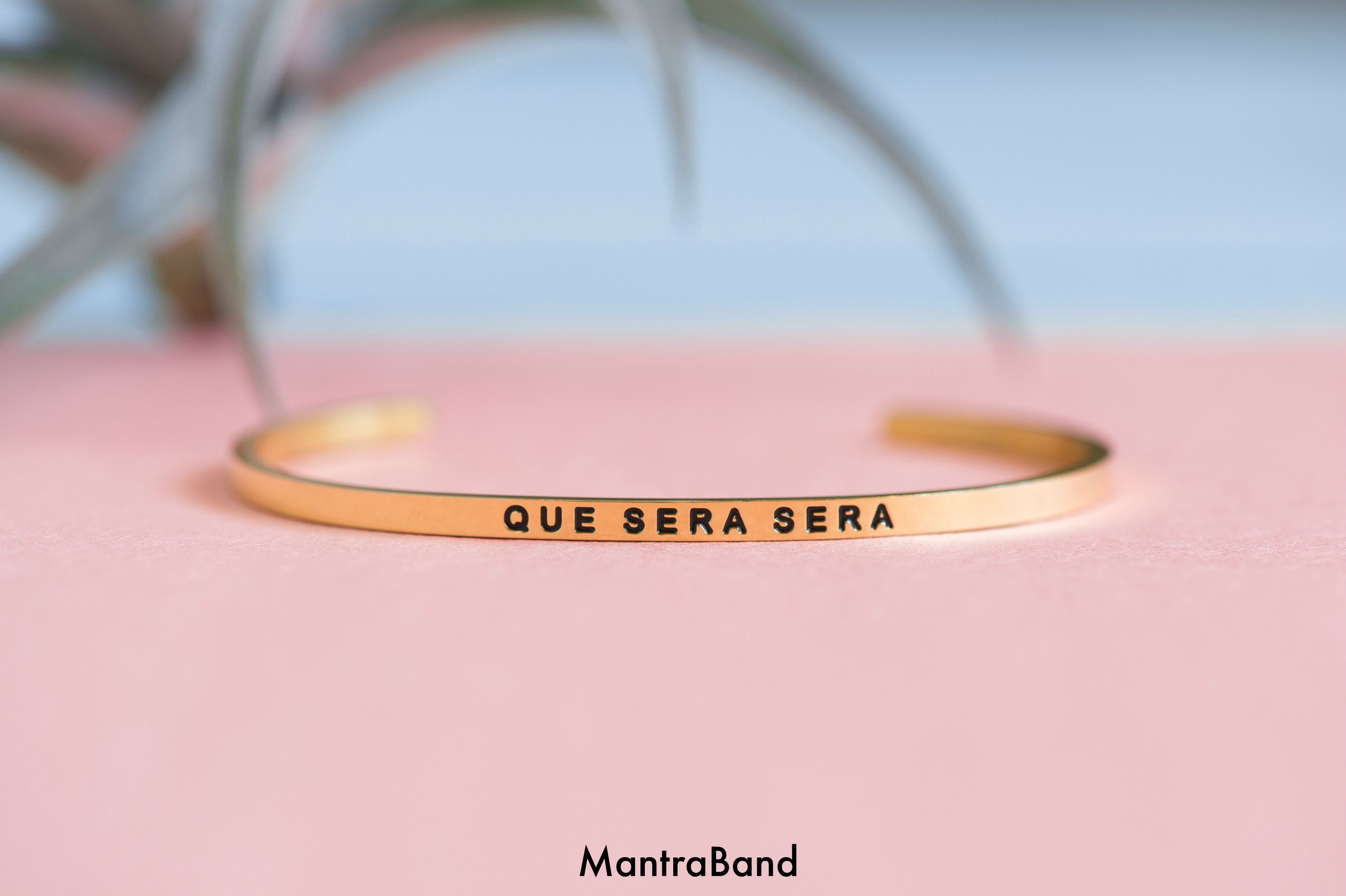 Que Sera Mantra Bands