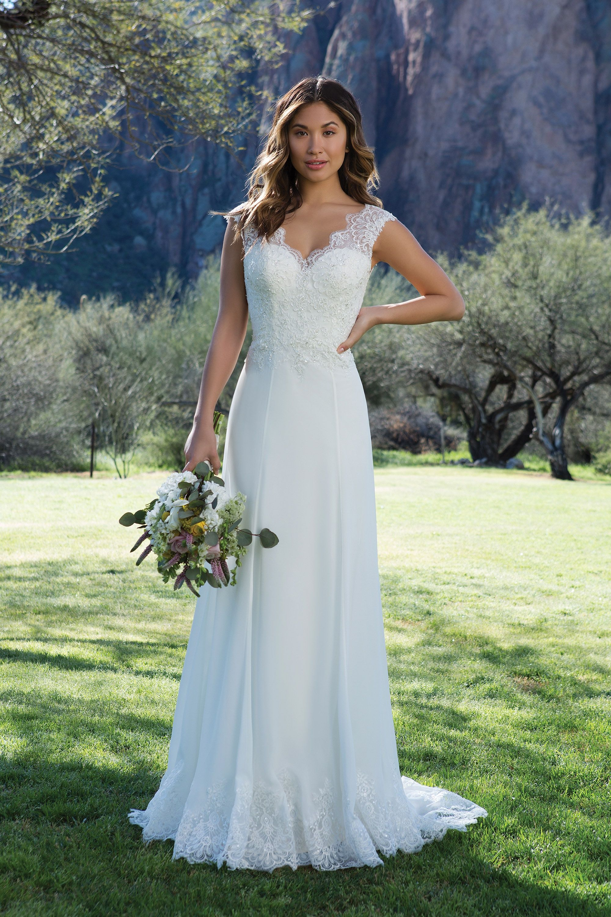 Sweetheart Gowns 1125 Ivory Size 10 Romantic Lace and Chiffon Gown