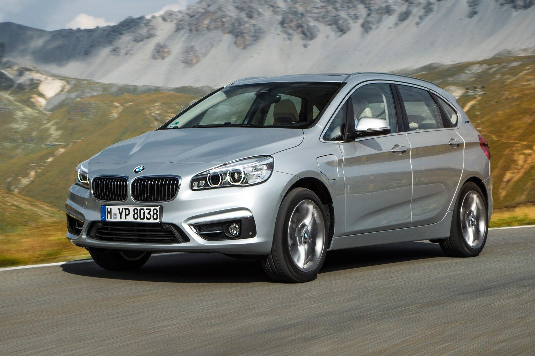 Bmw 2 Series Active Tourer 225xe 2016 Review With Images