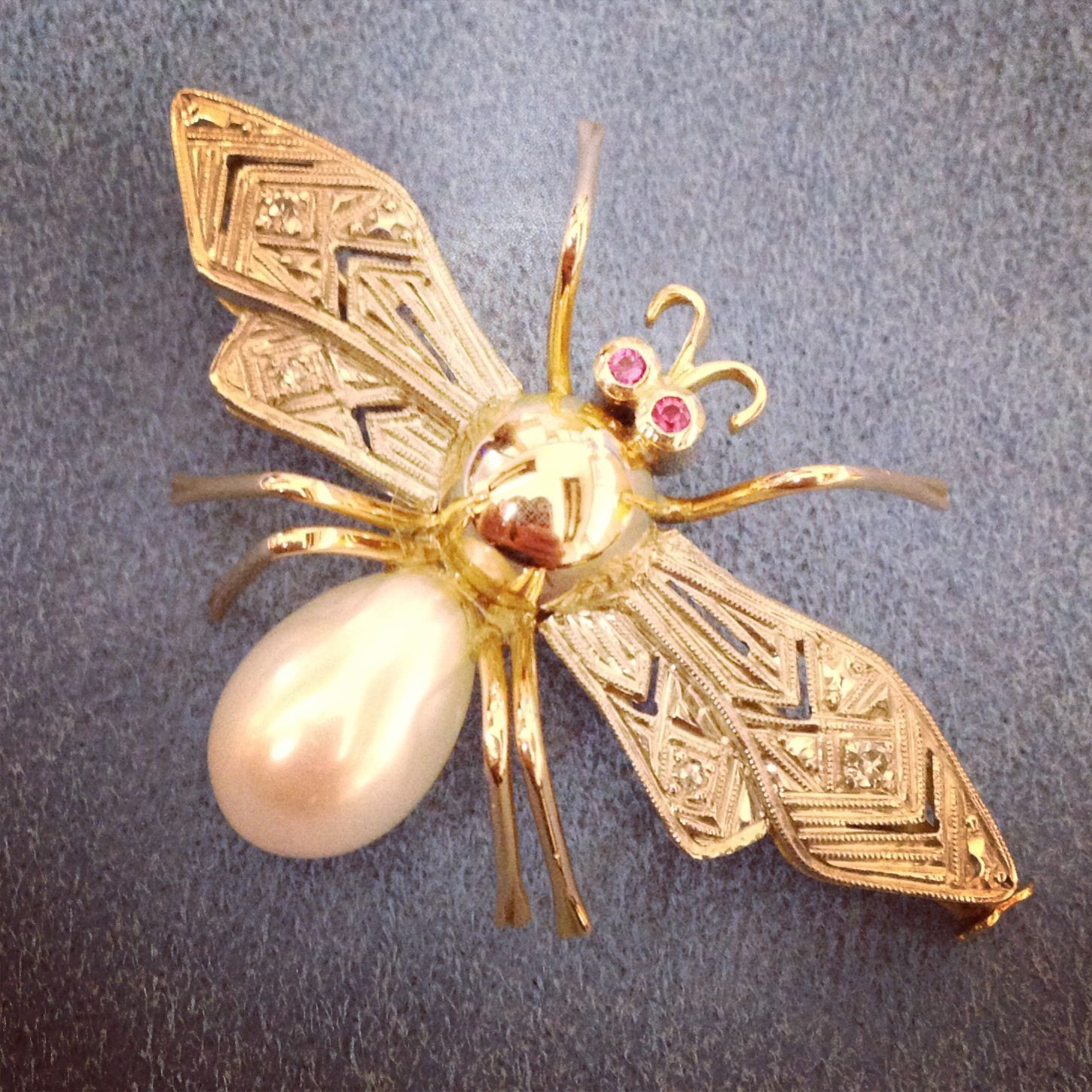 How cute is this little guy! Love the late #artdeco / #retro details #itsabugslife #instajewels photo by perrysjewelry