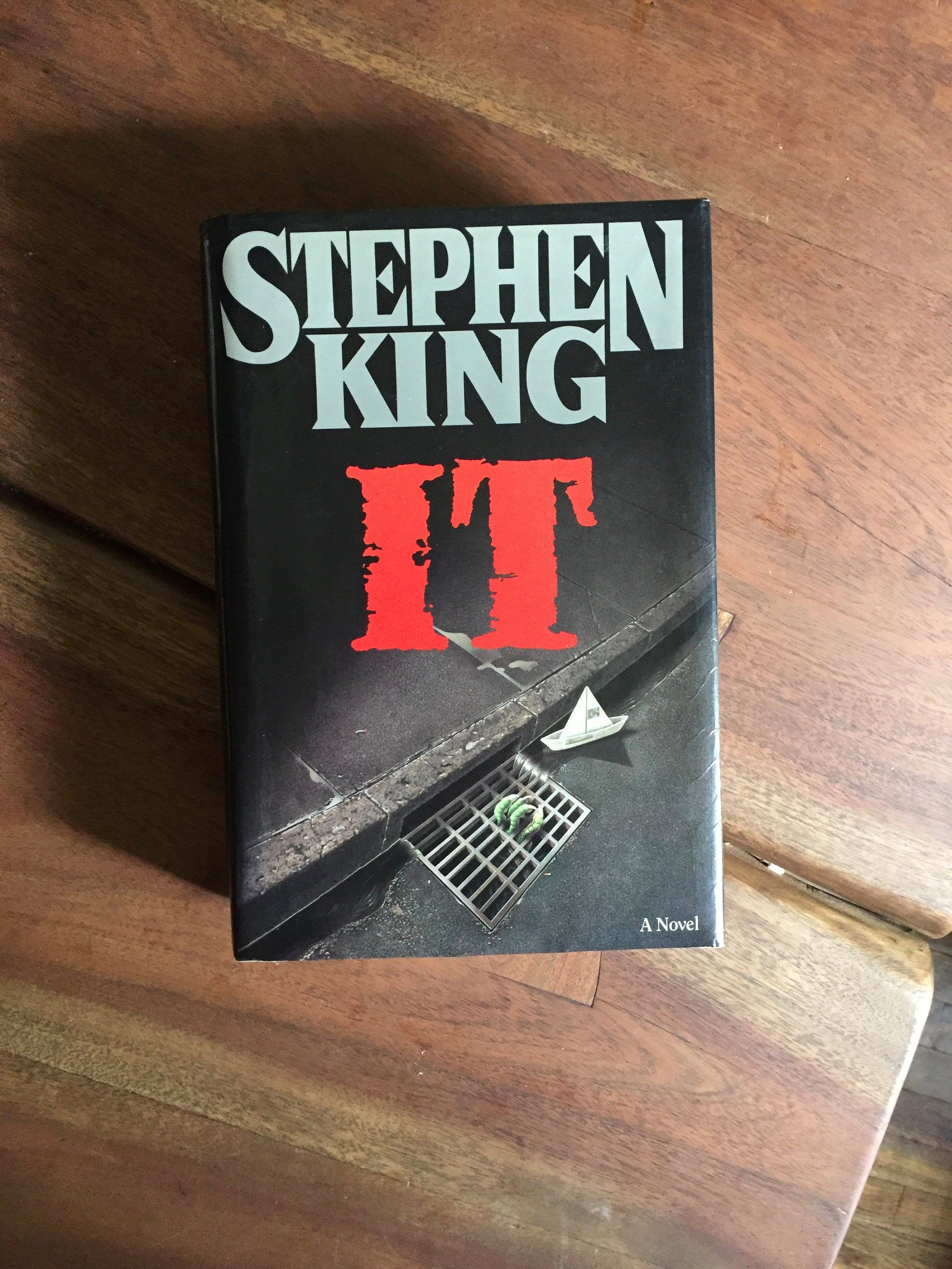 Vintage 1986 Hardback It Stephen King First Edition Horror Pennywise The Losers Club Georgie We All Float Down Here Stephen King Flowers In The Attic Occult Books
