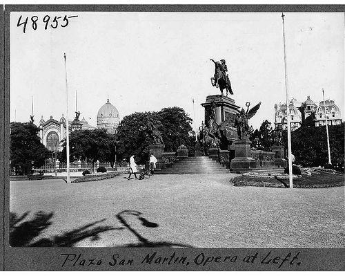 Plaza San Martin | por The Field Museum Library