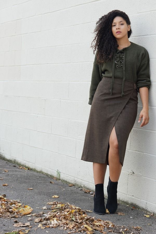 wearing a monochrome olive outfit is an easy and chic